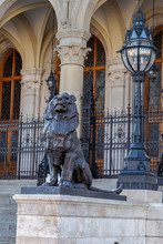 Cast-iron Sculpture Of A Lion ...