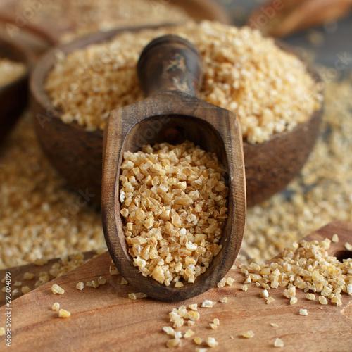 Poster Pays d Europe Dry bulgur wheat grains