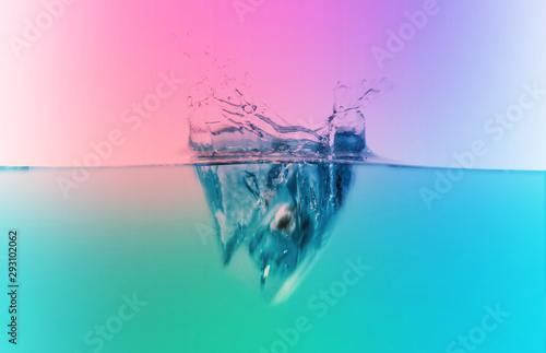 Poster Turquoise water splash wave on color gradient background
