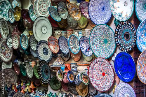 Fotomural Moroccan ceramics on the market in medina of Marrakech.
