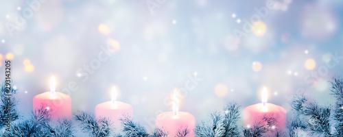 Papel de parede weihnachtlicher hintergrund mit  vier adventskerzen