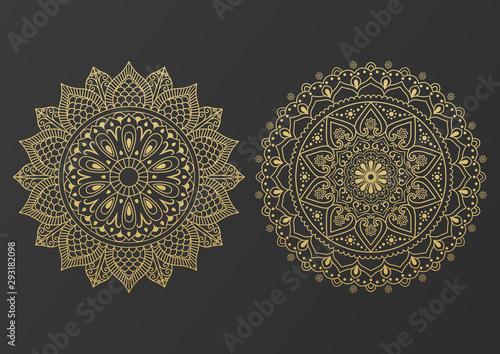 Fotografia Logo icon ornamental mandala design in gold color