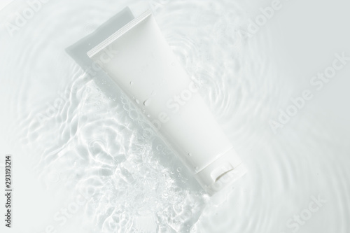 Poster Spa beauty spa medical skincare and cosmetic lotion bottle cream packaging product on white decor background with summer water pool fresh concept