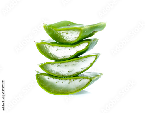 Canvastavla Fresh aloe vera leaves with water drops isolated on white