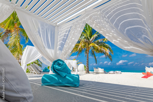 Fotomural Serenity beach background, luxury beach canopy and travel or summer vacation con