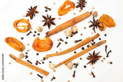 Fototapeta Best cardamom, Clove, Piper nigrum, Black Pepper, Mace, Cinnamon, Chinese star anise, Coriander seed, Ginger, Various Herbs for Health Care obraz
