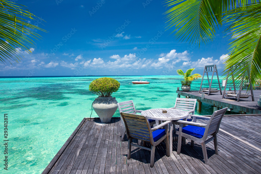 Fototapeta sea in Maldives. tropical beach in Maldives with  blue lagoon