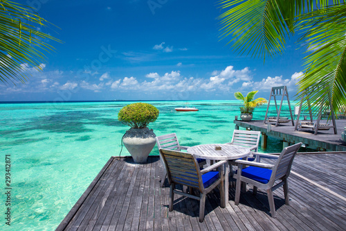 Fototapeta sea in Maldives. tropical beach in Maldives with  blue lagoon obraz