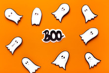 Spooktacular Halloween Ghosts ...