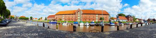 Türaufkleber Schiff historisches Tönning, Eiderstedt in Schleswig-Holstein, Panorama