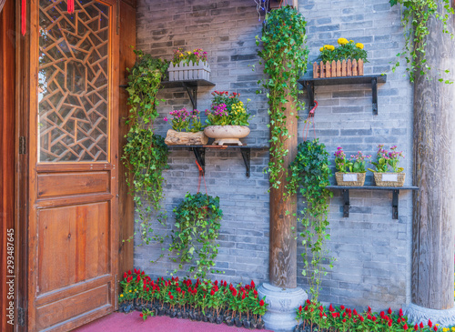 Fototapety, obrazy: old house with flowers