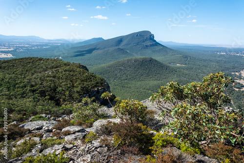 Photo Mt Abrupt in the Grampians region of Victoria, Australia.