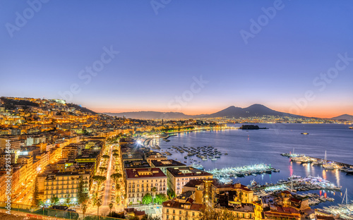 Montage in der Fensternische Neapel Naples in Italy with Mount Vesuvius before sunrise