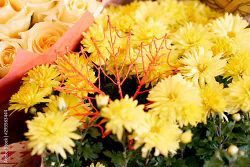 Fototapety, obrazy: orange yellow chrysanthemums pink roses autumn bouquet