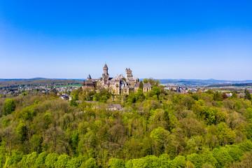Schloss Braunfels, mit Hubertusturm, Neuer Bergfried, Georgturm und Alter Stock Braunfels, Hessen, Deutschland,