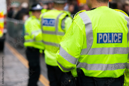 Fotografia British police crowd control at a UK event