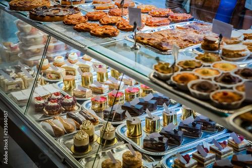 Fotografie, Obraz French patisserie cake display