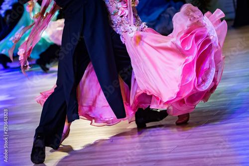 Photo couple dancing standard dance