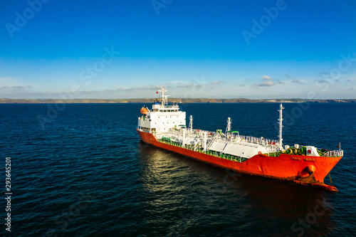 Photo air photo of gas carrier on the road anchorage