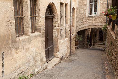 Fototapety, obrazy:  Medieval alley in the old town of Bonnieux, Vaucluse department, Provence-Alpes-Côte d'Azur region, France, Europe