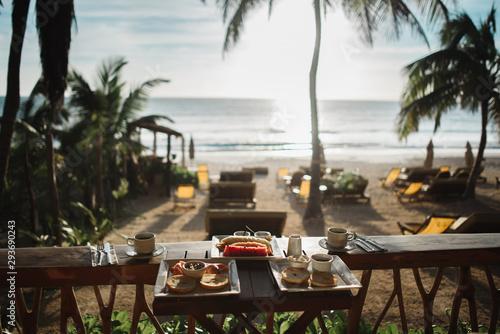 Papel de parede Desayuno junto a la playa en el caribe