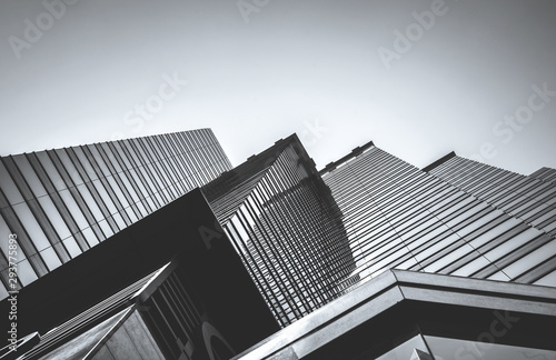 Fotografía  Hong Kong Commercial Building Close Up; Black and White style