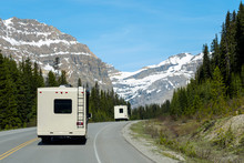 Motor Home Road Trip In Nation...
