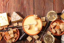 Cheese Fondue With Wine And Br...