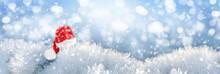 Background Red Santa Claus Hat...