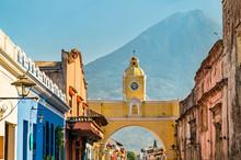 Arco De Santa Catalina And Vol...
