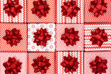 Red Christmas Gift Pattern