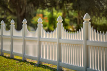 White Scalloped Vinyl Picket F...