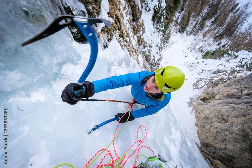 Fototapety, obrazy: Ice climbing