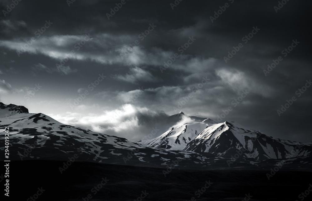 Fototapety, obrazy: Snow on top