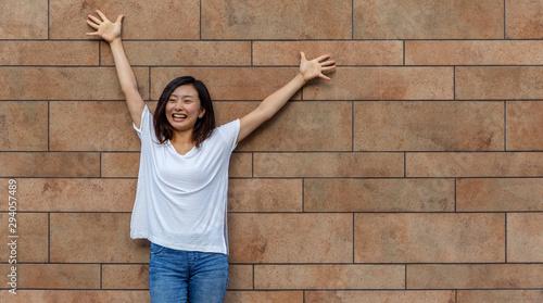 Chica sobre pared de rectángulos Canvas-taulu