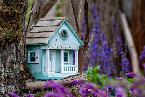 Carta da parati Birdhouses in the Garden