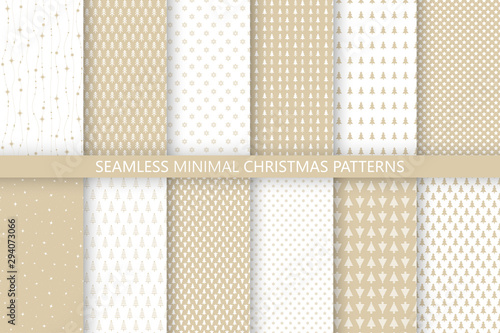 Türaufkleber Künstlich Collection of gold minimal seamless Christmas patterns. Christmas and New Year design. Vector illustration with trees, snowflakes and stars