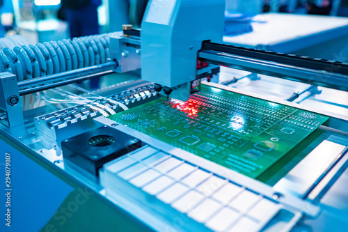 Radionics. Electronic laboratory equipment. Programmable machine for the production of printed circuit boards. Automated production of electronic components.