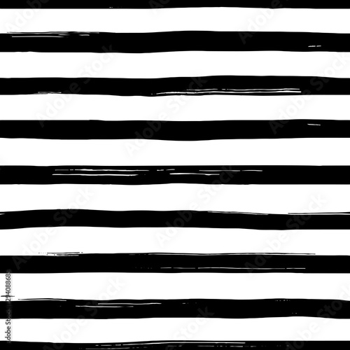 vector-seamles-striped-pattern-hand-drawn-grunge-black-and-white-stripes