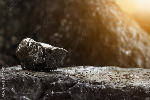 Photo Black coal mine close-up with soft focus