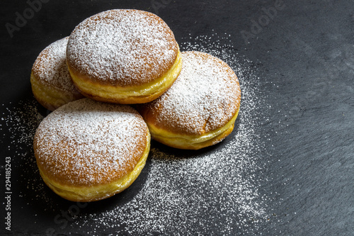 Photo Berliner Doughnuts European donuts tradicional bakery for fasching carneval time