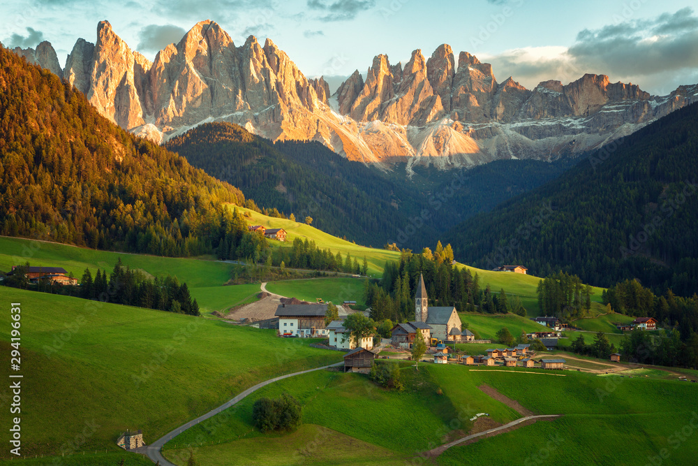Fototapeta Santa Maddalena village in front of the Geisler or Odle Dolomites Group , Val di Funes, Italy, Europe.