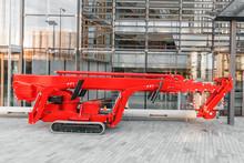 Crawler Selfpropelled Lifting Industrial Vehicle