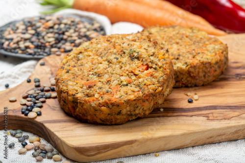 Photo Tasty vegetarian lentils burgers, healthy food