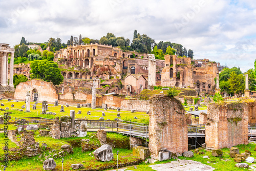 Fotografía  Ancient Roman Forum panoramic view, Rome, Italy