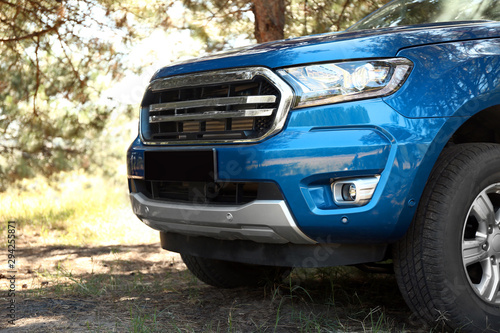 Obraz Modern pickup truck in countryside - fototapety do salonu