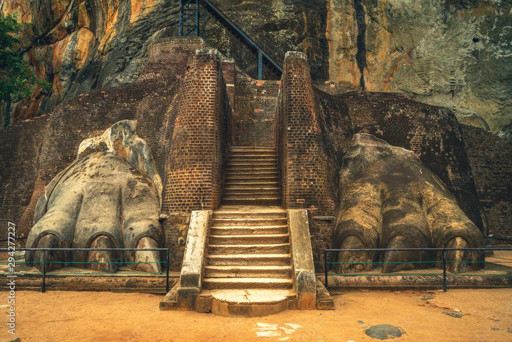 Fototapeta facade of lion paw of sigiriya in sri lanka