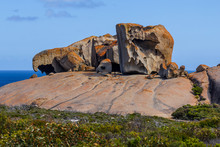 Famous Remarkable Rocks. Flind...