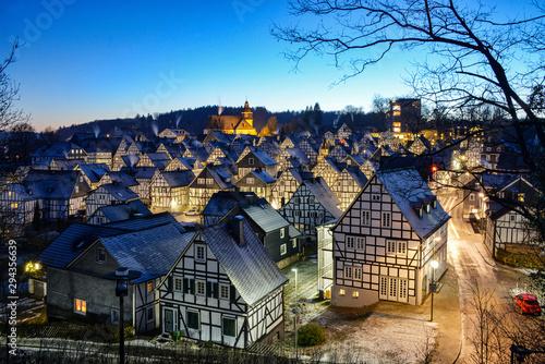 Freudenberg Sauerland Winter Abend Sonnenuntergang Fachwerk Deutschland