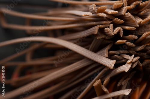 Montage in der Fensternische Makrofotografie talian spaghetti close-up shooting.Background texture